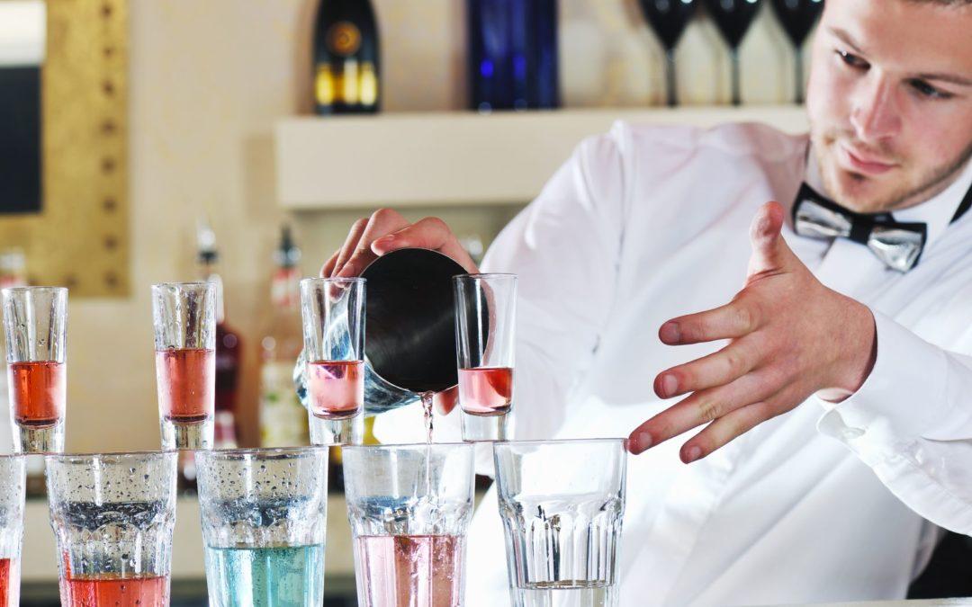 Best Bartender Pouring Techniques. Jigger Pour Vs. Free Pouring